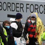 انگلیس و فرانسه برای جلوگیری از گذرگاه های مهاجر کانال ، توافق نامه ای امضا کردند
